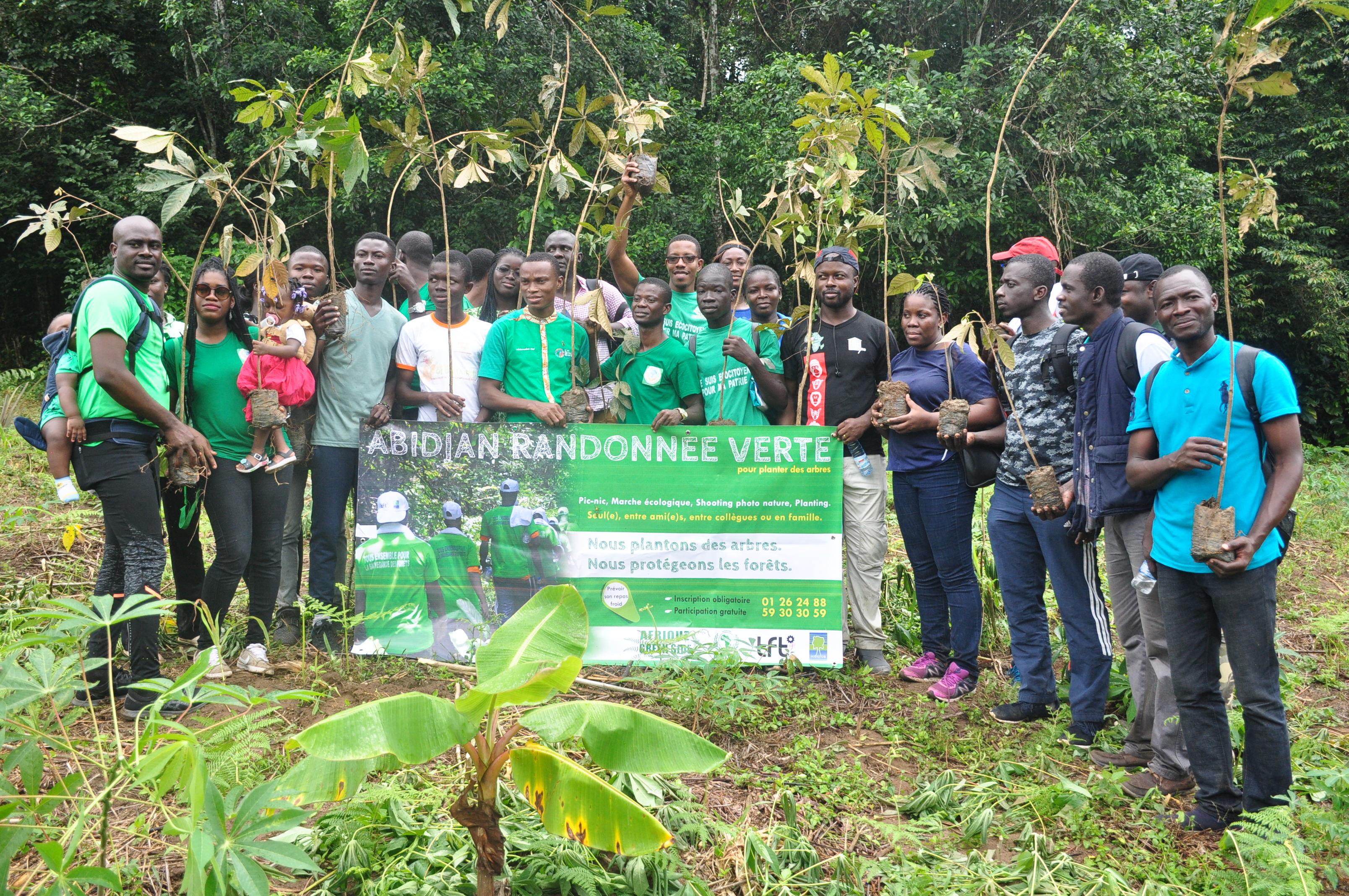 FORET: Une randonnée pour planter des arbres en Côte d'Ivoire