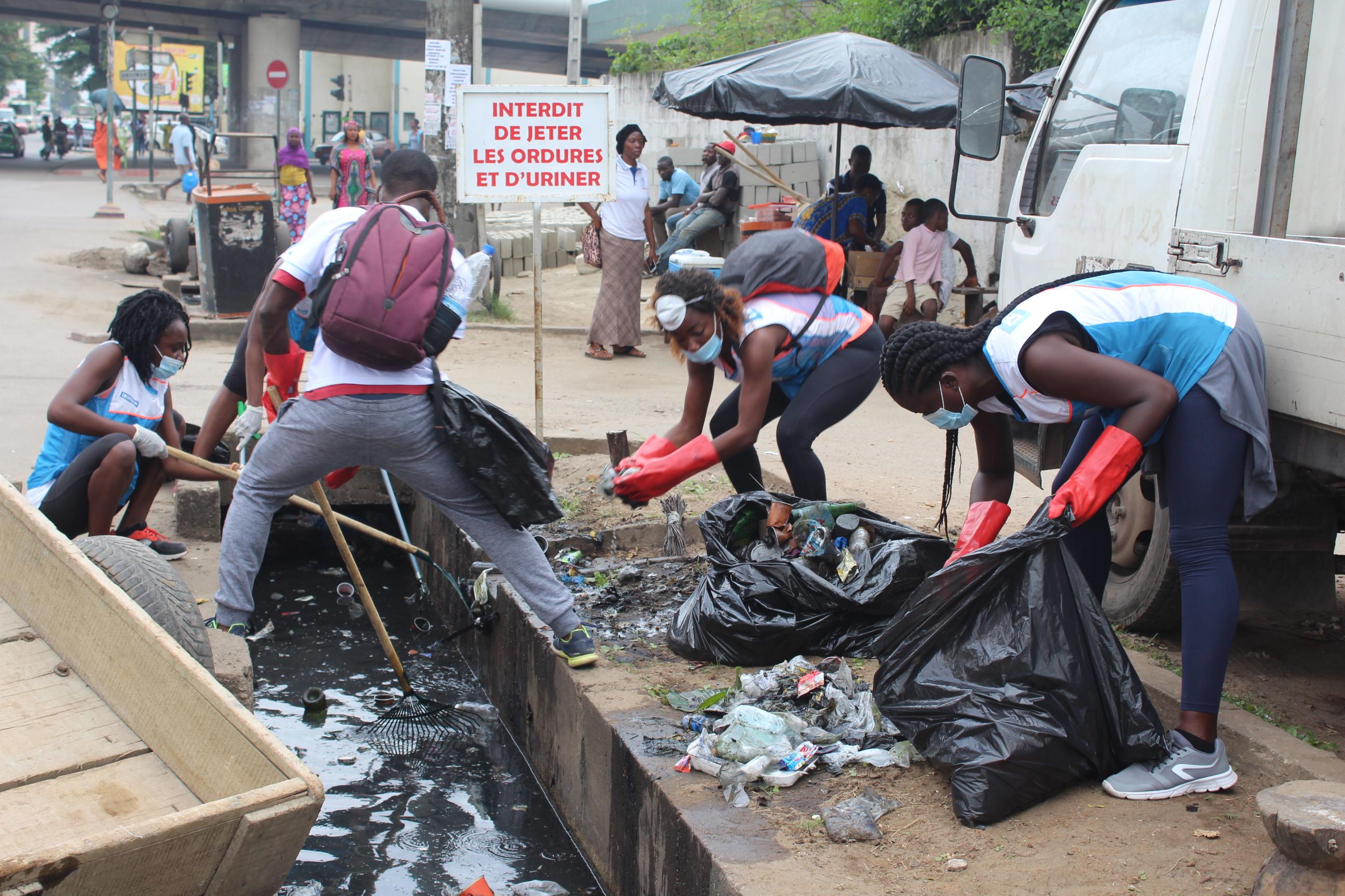 LUTTE CONTRE L'INSALUBRITÉ : DECATHLON collecte plus d'une tonne de déchets à Marcory